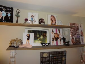 Teen Scene - shelving storage for personal items